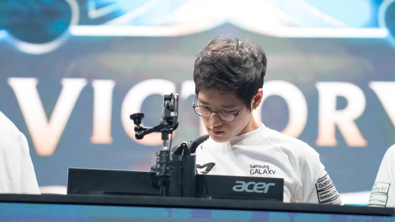 Samsung Galaxy sweeps H2K, advances to the 2016 League of Legends World Championship grand finals
