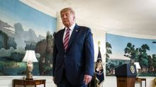 Accusé d'avoir minimisé la menace du Covid-19, Trump sur la défensive