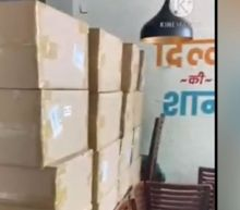 Delhi Police seizes 105 oxygen concentrators from Khan Market restaurants, owner on run