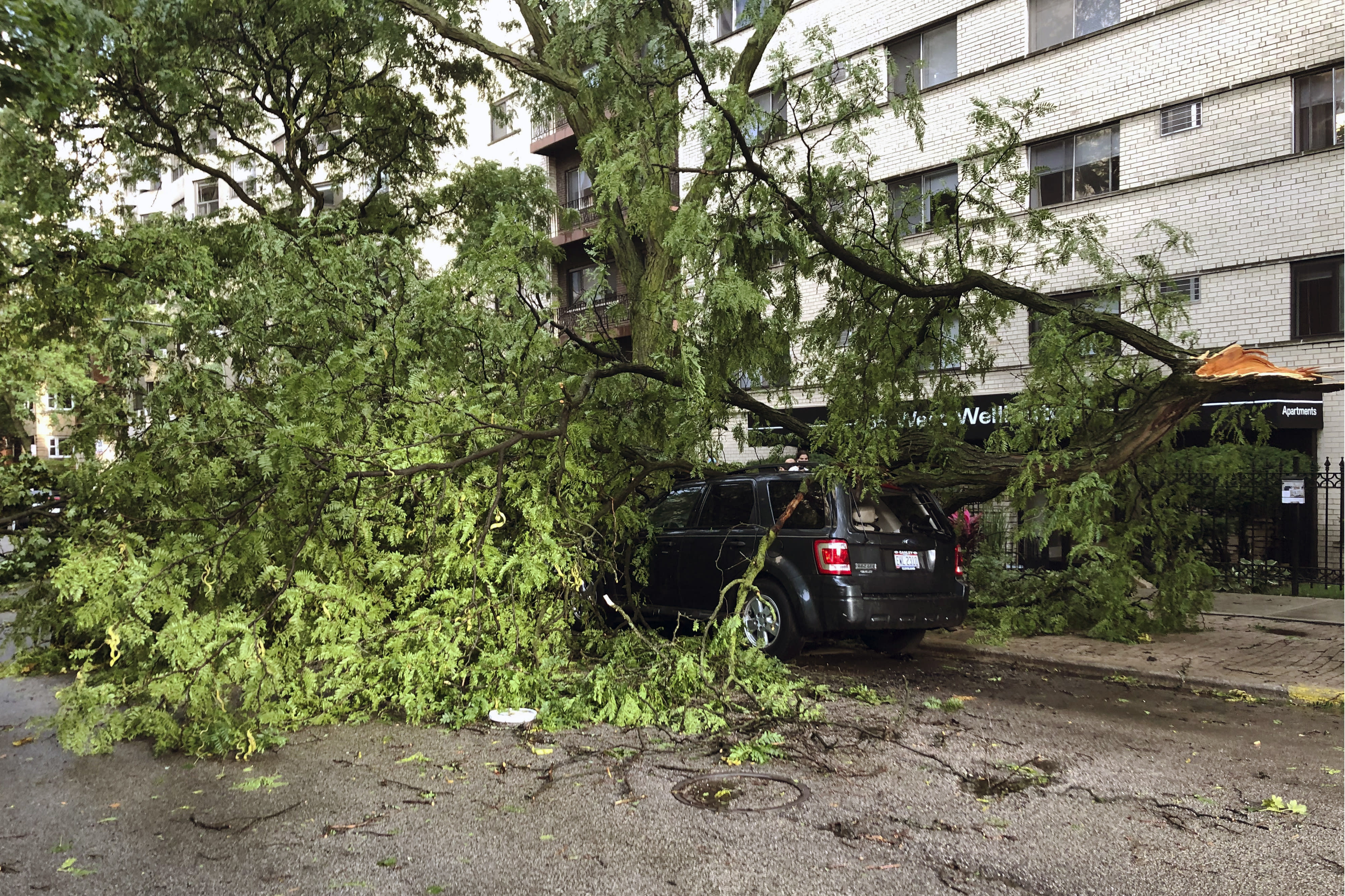 Derecho storm leaves path of destruction in Midwest