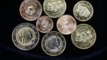 El euro baja a 1,1153 dólares en Fráncfort
