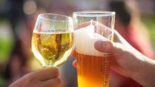 Má notícia: equilibrar cerveja com vinho não vai te deixar menos bêbado