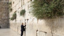 Trump and Melania visit the Western Wall