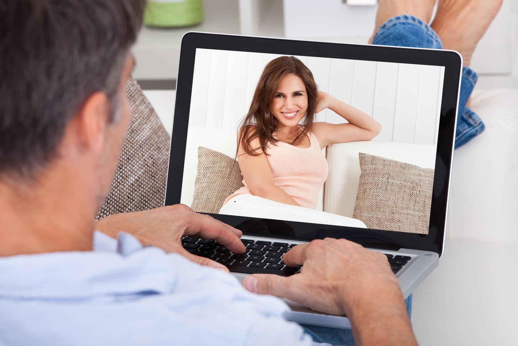 How to message people on online dating sites