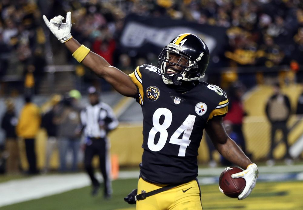 Pittsburgh Steelers wide receiver Antonio Brown is questionable for Monday night's game. (AP)