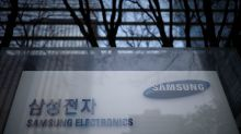 Samsung Electronics expects uncertainty from protectionism in 2018 - chairman
