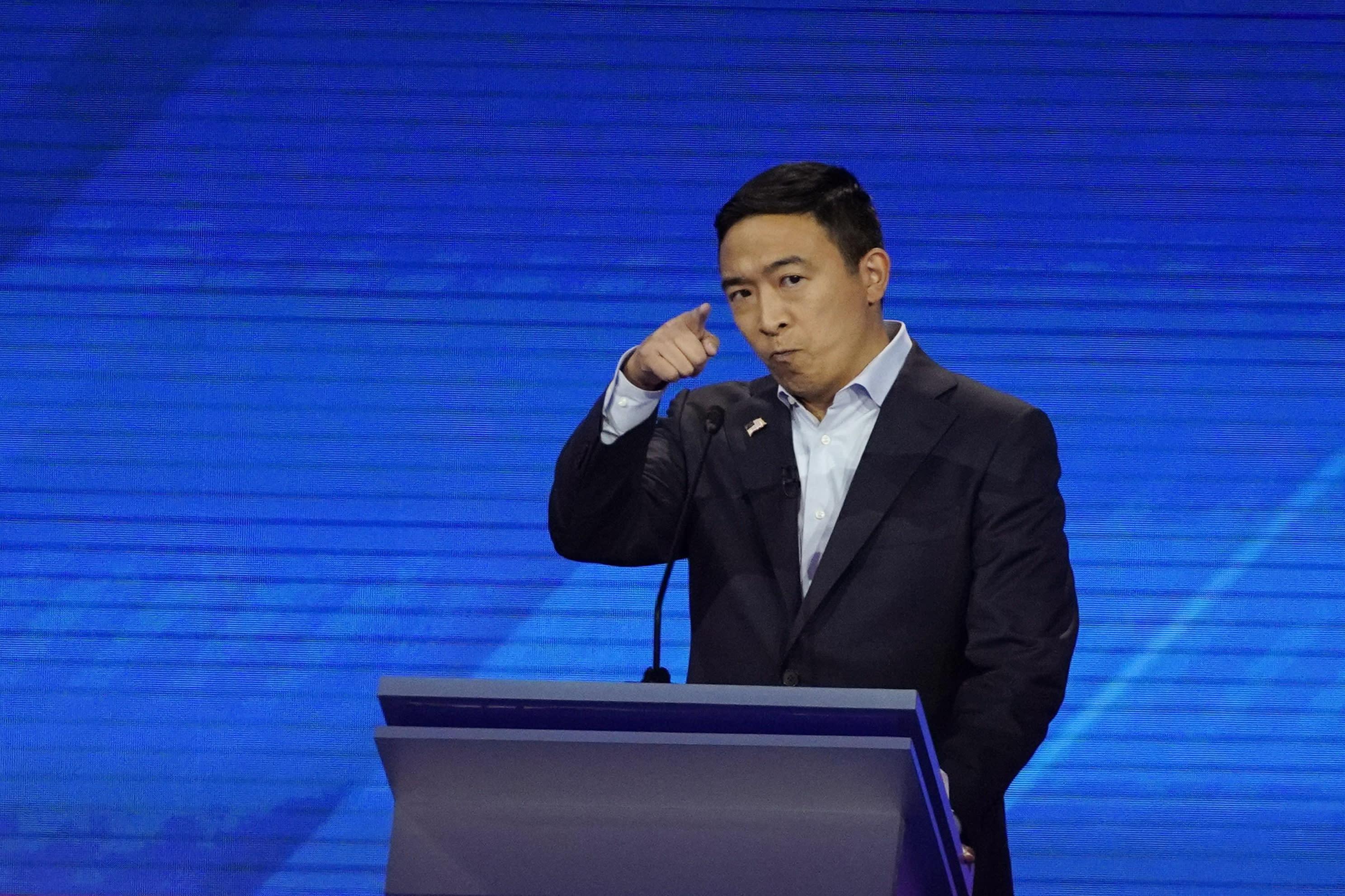 RPT-U.S. Democrats in presidential debate hint at no swift end to China tariffs