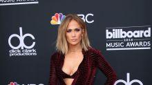 Billboard Music Awards: da J Lo a Taylor Swift, gli stilisti sul red carpet