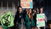 """Londres: ils protestent contre l'""""inaction"""" sur le climat"""
