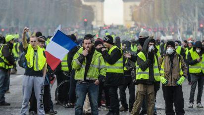 Les gilets jaunes perdentpatience avec Macron<br>