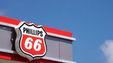 Refiner Phillips 66 cuts spending forecast by 18%, commits to dividend