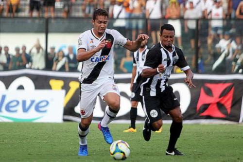 Com mais pegada, Vasco se torna líder de desarmes no Carioca