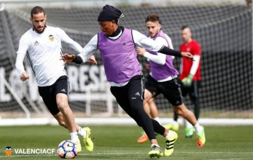 Brasileiro foca em duelo com Deportivo para Valencia voltar ao caminho das vitórias no Espanhol