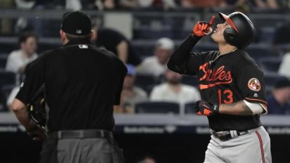 Manny Machado's 'monumental' homer at Yankee Stadium is MLB's longest in 2017