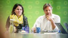 Baerbock und Habeck in Brüssel: Grünen-Chefs prangern die Schwarze Null an
