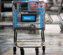 Walmart CEO calls for discussion on reauthorizing the ban on assault rifles