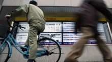 Asia shares slump to four-month low on risk of interminable trade war