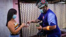 Las remesas con bitcoins llegan a Cuba montadas en bicicleta