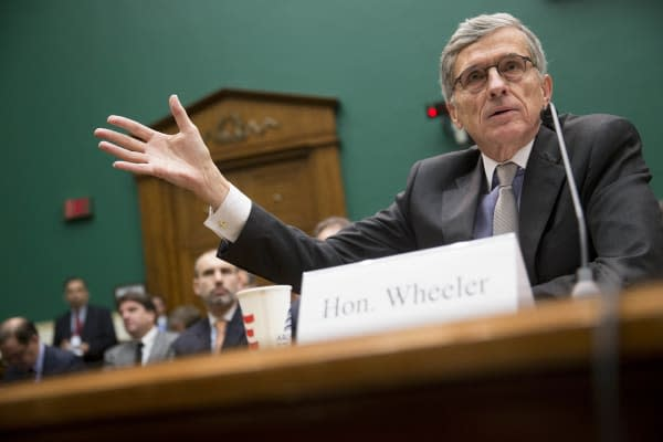 FCC claims it hasn't abandoned net neutrality at all, opens a new inbox for comments
