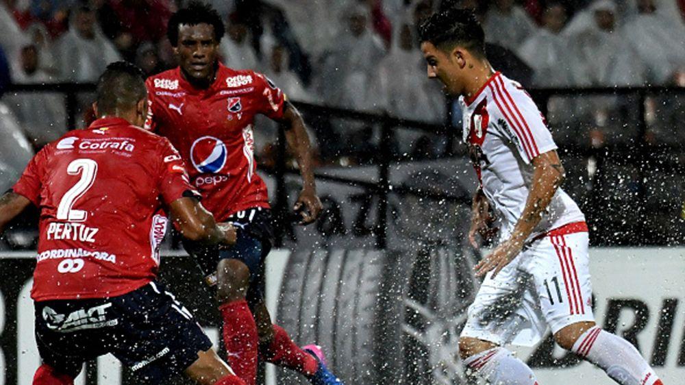 River goleó en Colombia tras la suspensión por lluvia