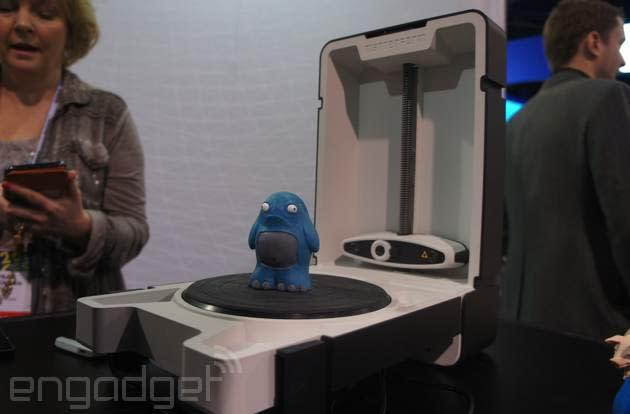 A sub-$600 desktop 3D scanner that folds into a box
