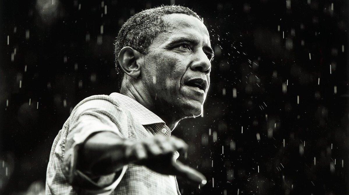 %name Twitter Pelts Trump With Photos Of Obama In The Rain After He Ditches Cemetery Visit