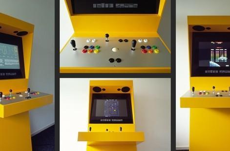 Retro Space arcade cabinet dispenses with (most of) the throwback formalities