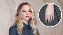 Jennifer Lawrence presume de anillo de compromiso en el desfile de Dior