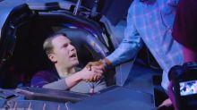 Ben Affleck überrascht Fans im Batmobil