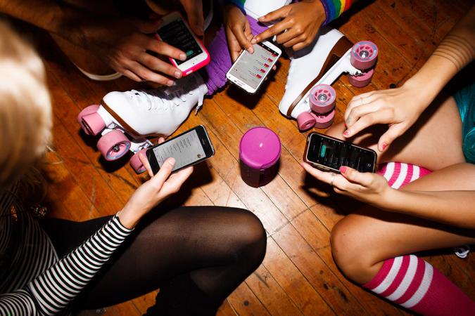 Ultimate Ears Bluetooth speaker update lets friends share DJ duty