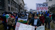 Bulgarians block roads against high fuel prices, poverty