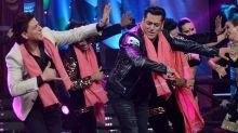 SRK and Salman Shake a Leg Together on the Sets of 'Bigg Boss'