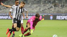Destaque do jogo, Muriel elogia atuação coletiva e valoriza empate