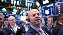 Acciones alcanzan máximos ante alivio de temores por guerra comercial; dólar cae