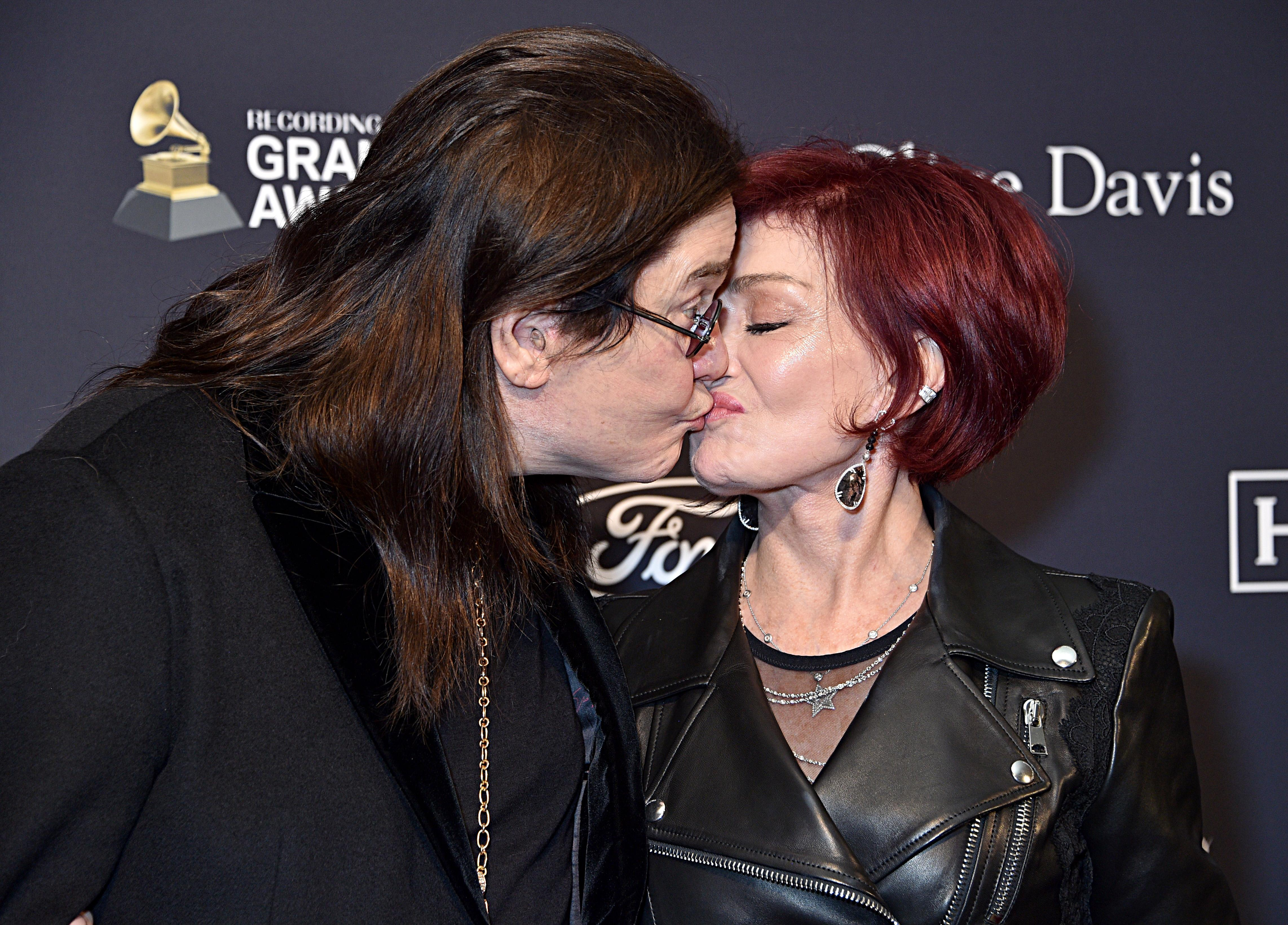 Ozzy Osbourne shares kiss with Sharon at first red carpet event since disclosing Parkinson's diagnosis