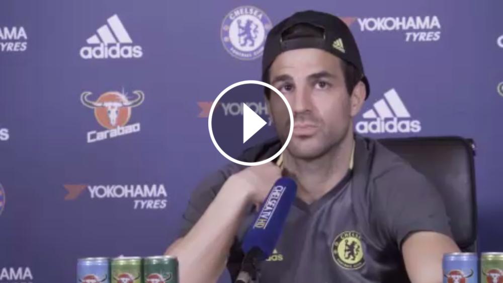 """VÍDEO: Fabregas: """"Admiro a Messi porque es el mejor y no ha cambiado"""""""