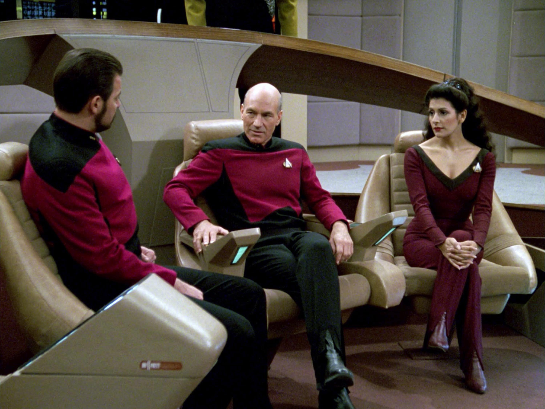 Star Trek: Picard producers explain how they've avoided fan service