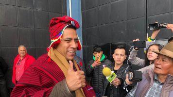 Farías es recibido con cariño por la gente de El Alto