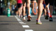 Doctor que competía en un maratón se detuvo para salvar la vida de otro corredor