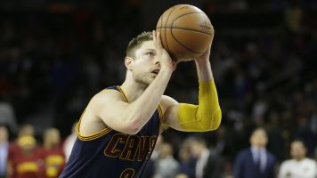 Cavs fans pumped about Dellavedova's return