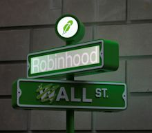 Robinhood dips 12% as some shareholders file to sell