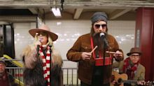Alanis Morissette Shuts Down New York City Subway With Undercover Busking Prank