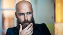 Kahlschlag durch die Karriere: Was Überstunden mit der Glatze zu tun haben