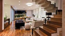 Casa moderna em condomínio combina conforto e praticidade
