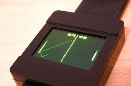 DIY wristwatch touts OLED display, plays Pong