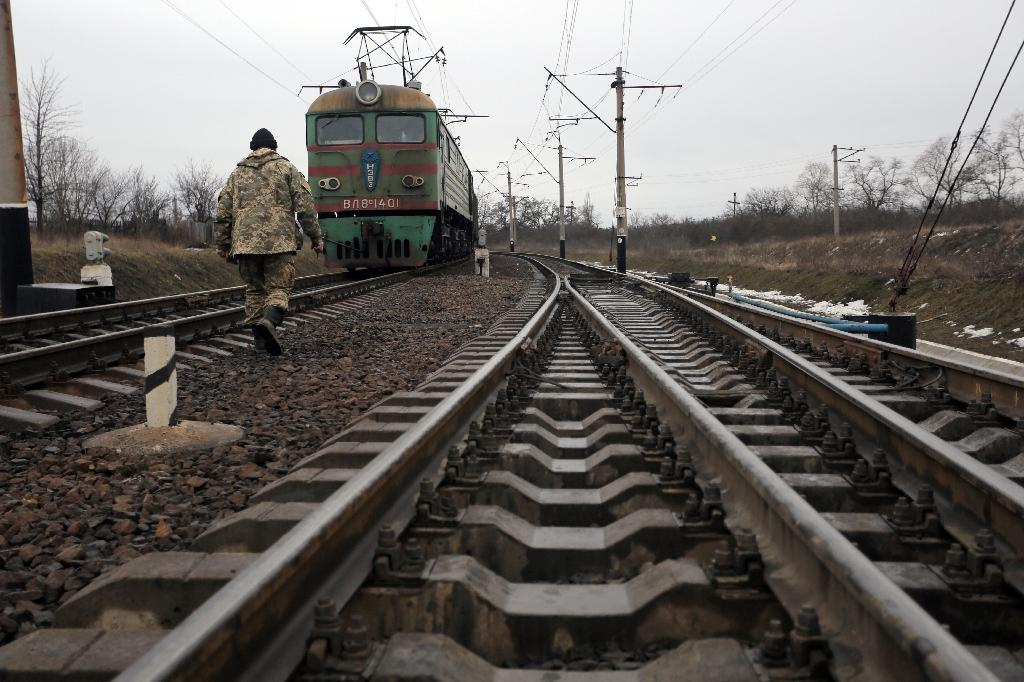 After catching a Russian man who stole pieces of metal that connected rail tracks, Saint Petersburg police say the total booty weighed more than 275 tonnes