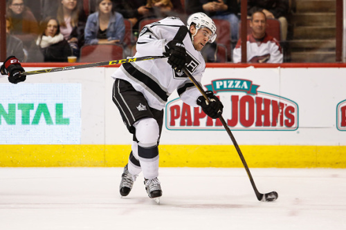 GLENDALE, AZ - JANUARY 31: Los Angeles Kings left wing Tanner Pearson (70) takes a shot during the NHL hockey game between the Los Angeles Kings and the Arizona Coyotes on January 31, 2017 at Gila River Arena in Glendale, Arizona.(Photo by Kevin Abele/Icon Sportswire via Getty Images)