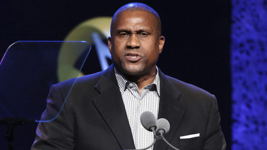 Tavis Smiley fires back after PBS suspension