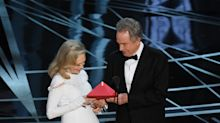 Warren Beatty and Faye Dunaway get second chance at presenting Best Picture Oscar