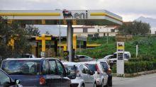 Prezzi carburanti, torna la calma
